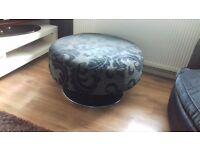 corner sofa and 2 cuddle chairs n pouffe