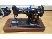 VINTAGE SINGER SEWING MACHINE - FULL WORKING ORDER - £50