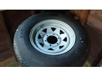 Trailer wheel and tyre set