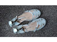 Brand new Mustang cute leather upper ankle strap cream flats UK 6 Eur 39