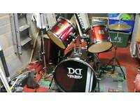Devil drum kit