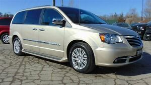2016 Chrysler Town & Country TOURING LEATHER - NAV - ONLY  7,000