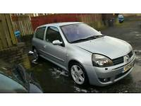CLIO 172 SPORT (very low milage)
