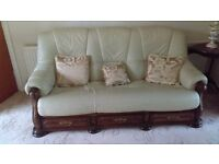 Cream 3 Piece Leather Suite with Wooden Drawers
