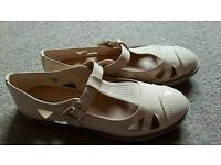 Brand new women's shoes size 8
