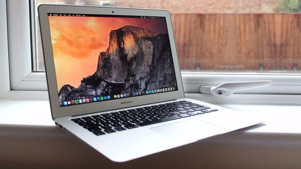 "Macbook AIR 13"" 2015i7 2.2GHz 8GB256GBapple careOffice 2016AdobeFinal cutin Putney, LondonGumtree - Macbook Air 2015 13"" i7 processor 8GB Ram 256 GB SSD CHECKMEND AND POLICE REPORT PROVIDED OS El Capitan the latest one . Completely Installed with the following software (NEW) Logic Pro X 10.2.1 (NEW) Traktor Scratch Pro 2 (NEW) Cubase 8 (NEW)..."