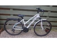 "Carrera Crossfire 1..18""frame/medium..like new hybrid bike woman/ladies.like giant/trek/voodoo etc"