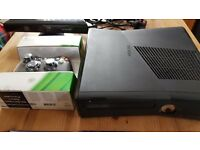 Xbox 360 4GB Console, New Handset, Kinect sensor and games package