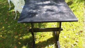 Cafe Style table wooden like, bark colour,