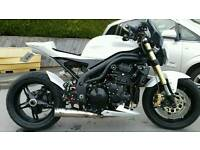 1050 speed triple street fighter