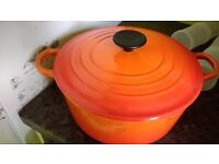 Le Crueset Casserole 24 cm Cast Iron Volcanic Orange £25 ONO