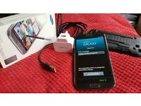 Samsung galaxy note 2 GTNZ100, 16 GB, O2 network, titanium gray.Boxed + charger & shockproof case.