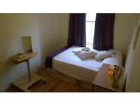 *a* COUPLES OK !! LARGE DOUBLE / TWIN ROOM IN VAUXHALL - only 170pw (85 per person!)