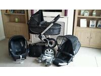 QUINNY BUZZ TRAVEL SYSTEM IN BLACK REFLECTION