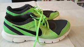 Nike flex experience rn 2 uk size 9 mens good condition
