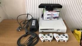 Xbox 360 & 2 pad & kinect & 8 game all working perfectly
