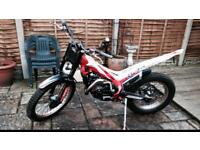 Beta evo factory 300cc 2t trials bike 2013