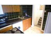First Floor 2 Bed Flat On York Road Ideal For Sharers 10 Mins Away From Clapham Junction Station