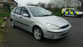 Ford focus 1.6 petrol 2005 very low milage full service history full mot