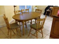 Dinnig room table and chairs