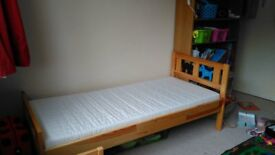 Kid's bed (IKEA) with mattress - Belfast - from age to up