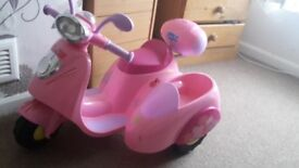Electric peppa pig scooter