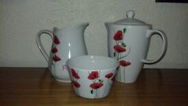 Poppy print 3 piece tea set