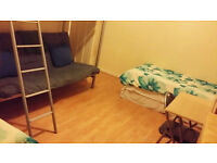 Large Twin Room in Crofton Park, SE4