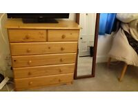 Chest great conditions 4 large drawers 2 small drawers