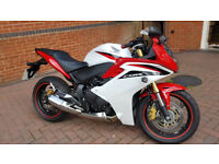 HONDA CBR 600 2013 2300 MILES LIKE BRAND NEW BARGAIN