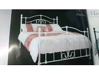 5ft Kingsize white metal bedframe