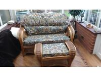 QUALITY WICKER CONSERVATORY FURNITURE 4 PIECE MATCHING SET