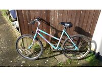 Second hand woman montain bike