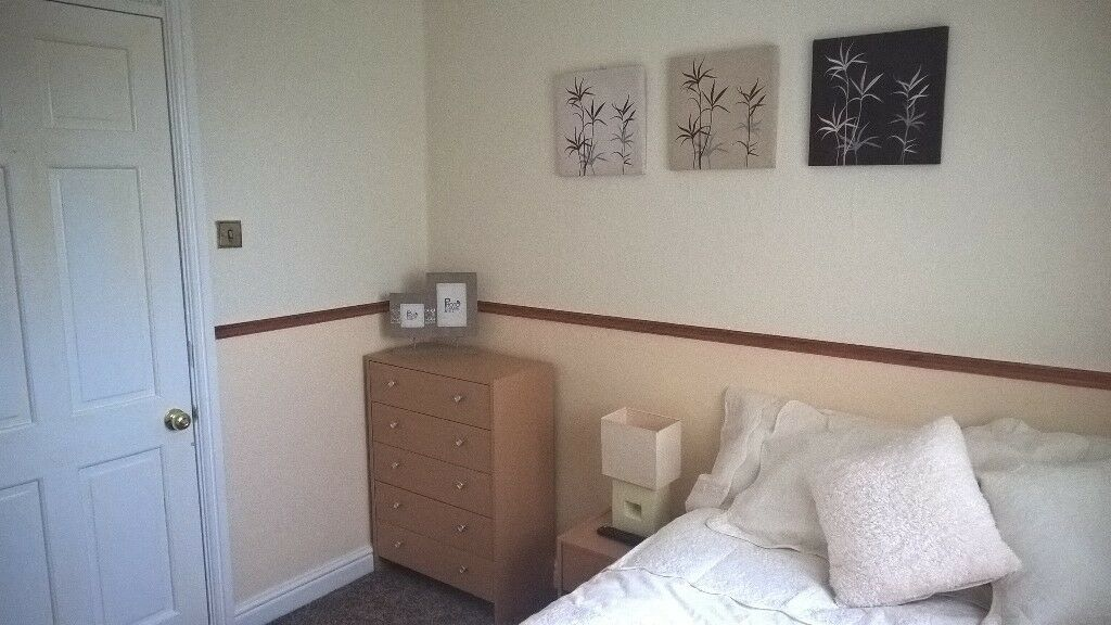 Beautiful Room to rent £300pcm All Bills Inc with Superfast Broadband