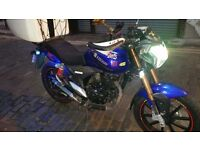 I sell motorcycle at a good price and in good condition.