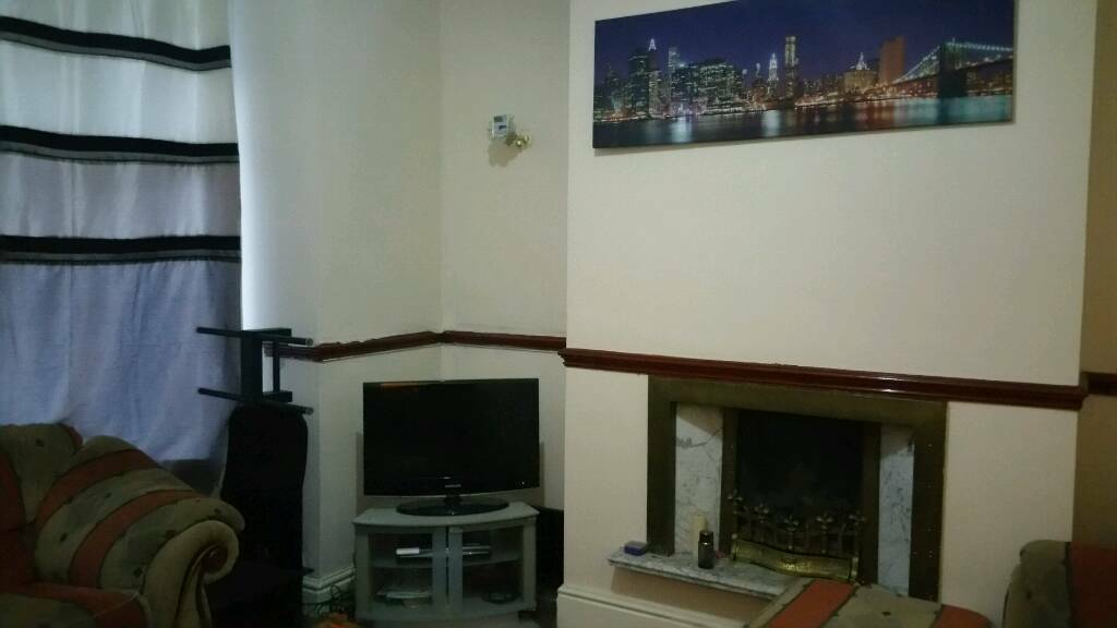 Double room to let fully furnished