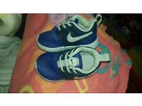 Brand new without box unisex blue baby nike roche trainers size baby 3.5