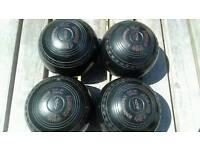 Lawn bowls size 2 medium £50