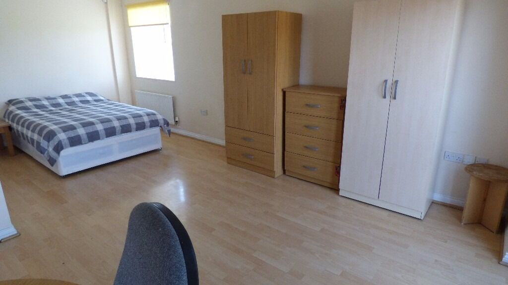 Battery Road, Thamesmead, SE28!! BIG DOUBLE ROOM AMAZING PRICE FOR RENT!!!!