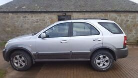 2004 Kia Sorento for sale. Great tow car
