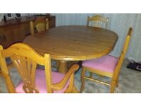Pine Extendable Dining Table With 4 Chairs
