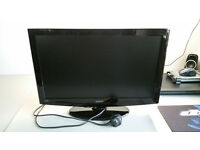 """Hitachi 22"""" HD TV With Built in DVD"""