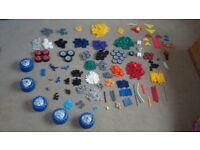 A bundle of KNEX more than 1000 pieces