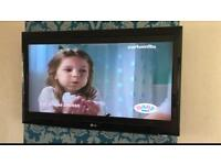 "LG 42"" LCD HD TV with wall wall bracket"
