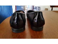 Clarks Black Flat Shoes size 6
