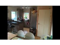 Double room in a quiet semi detached house in Burley