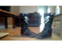 Axo' Boxer' motocross boots. Size 10. Like new.