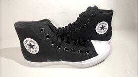 Brend NEW Converse Black