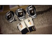 3 pads and 2 gloves