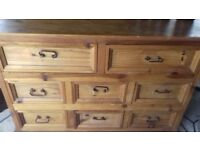 Light oak drawers / dresser